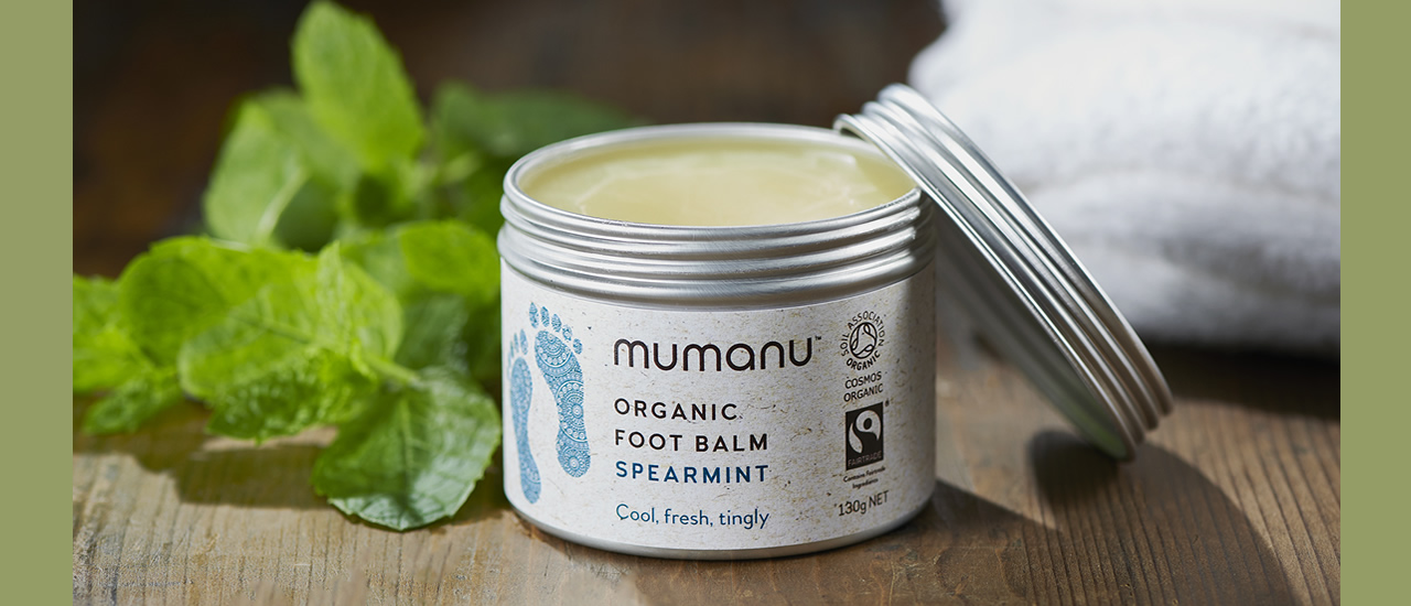 mumanu-organic-fairtrade-Foot-Balm-ls